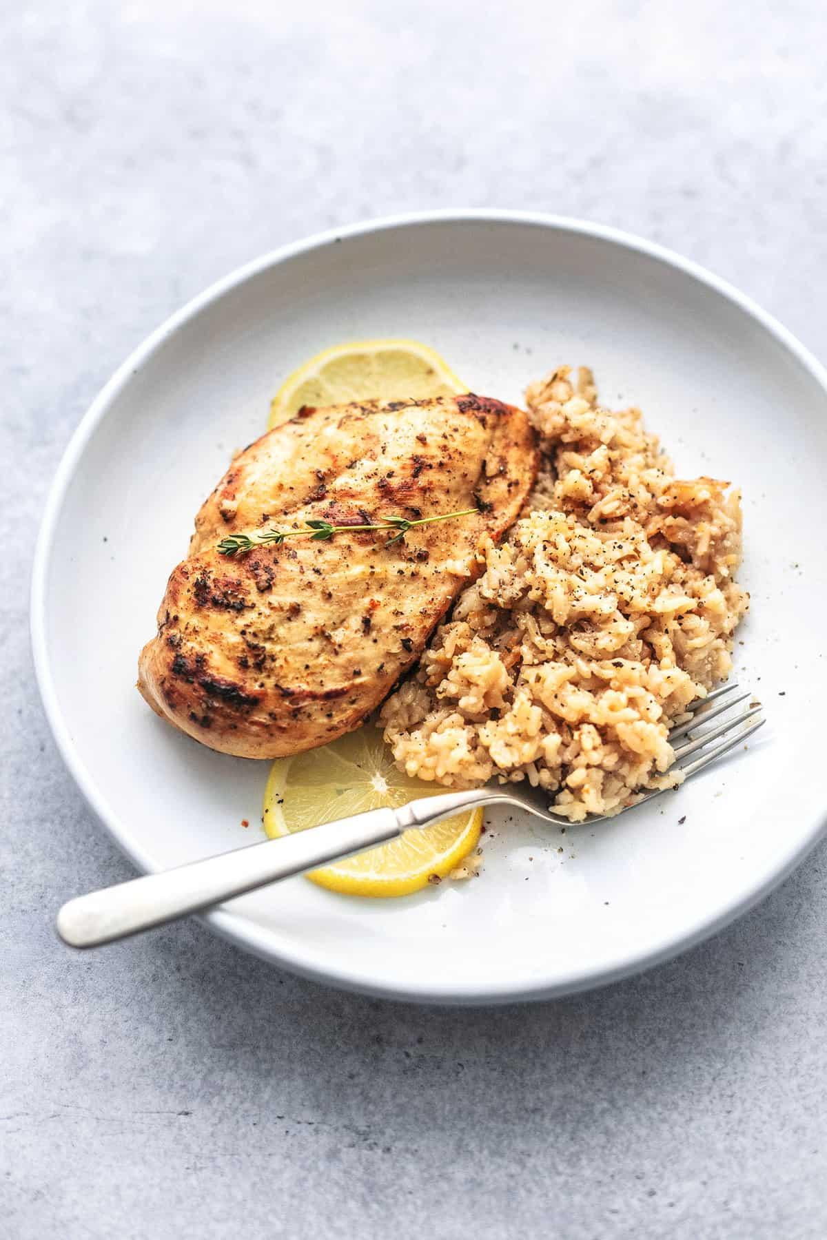 Einfaches und gesundes Instant Pot Hähnchenbrust- und Reisrezept | lecremedelacrumb.com