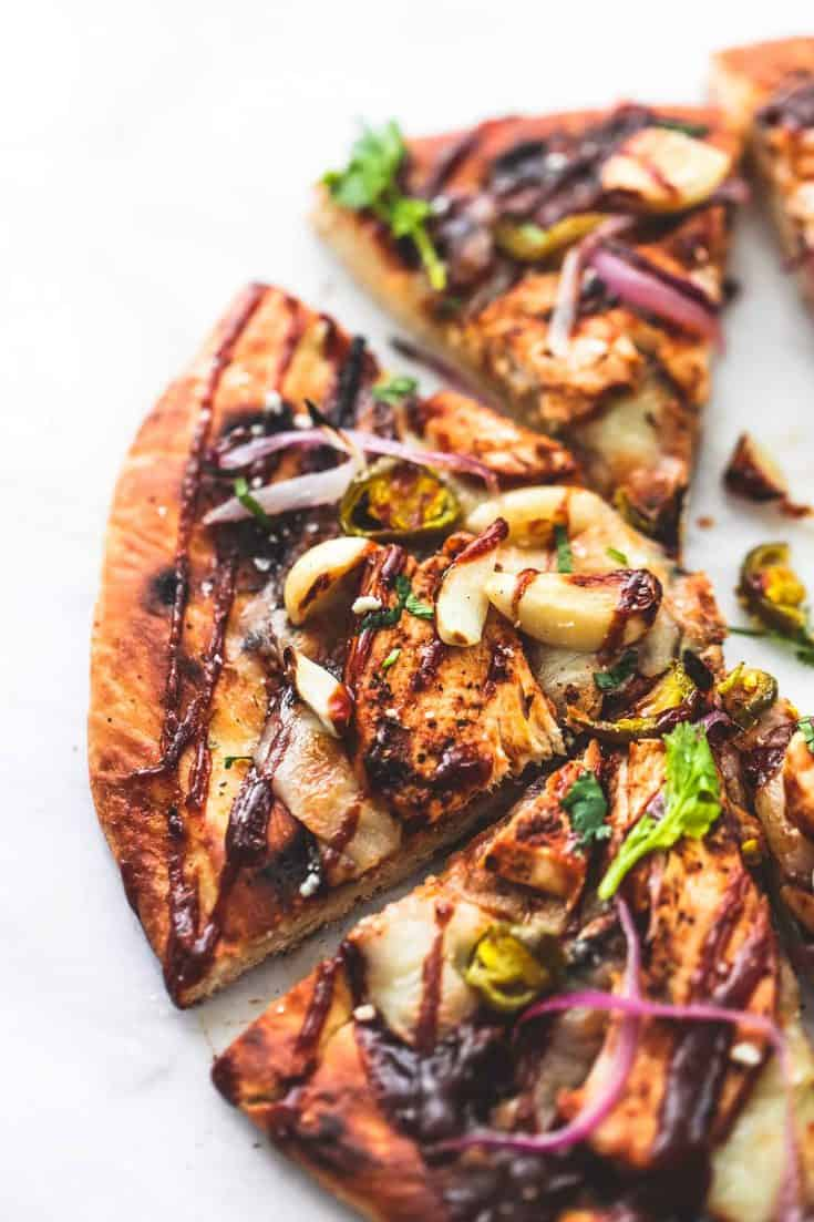 Gegrillte BBQ Chicken Pizza