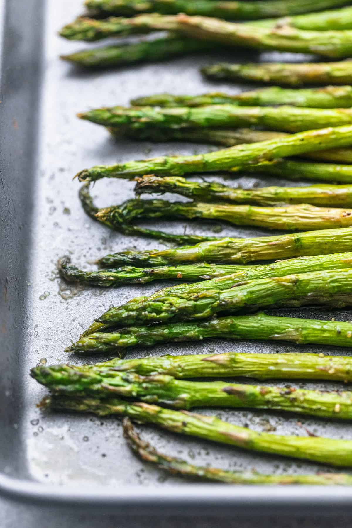 Easy healthy oven Roasted Asparagus recipe | lecremedelacrumb.com