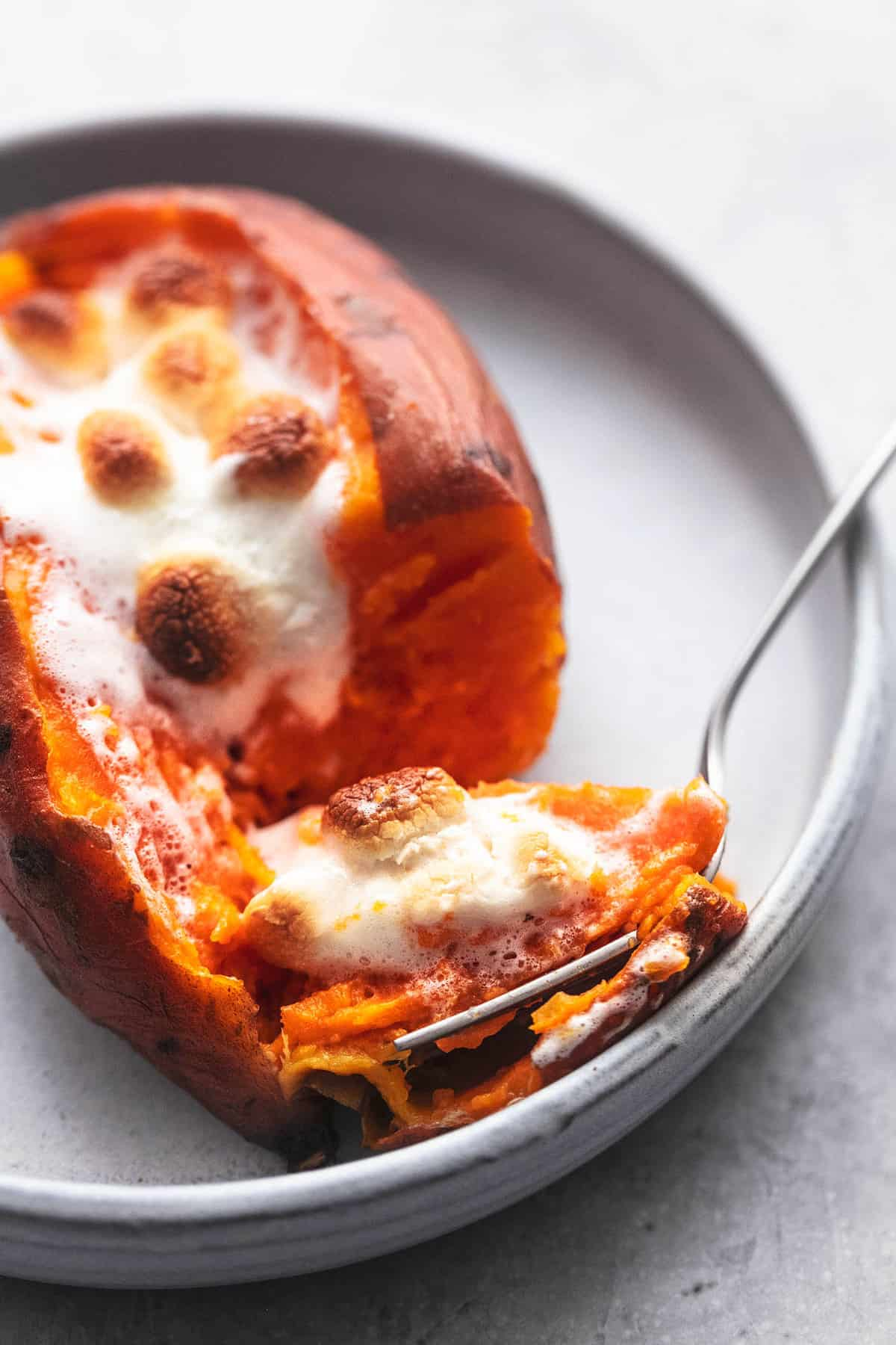 Instant Pot Baked Sweet Potatoes einfaches und leckeres Beilagenrezept | lecremedelacrumb.com